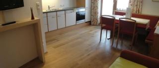 Wohnküche Appartement Nr.1 (andere Ansicht)